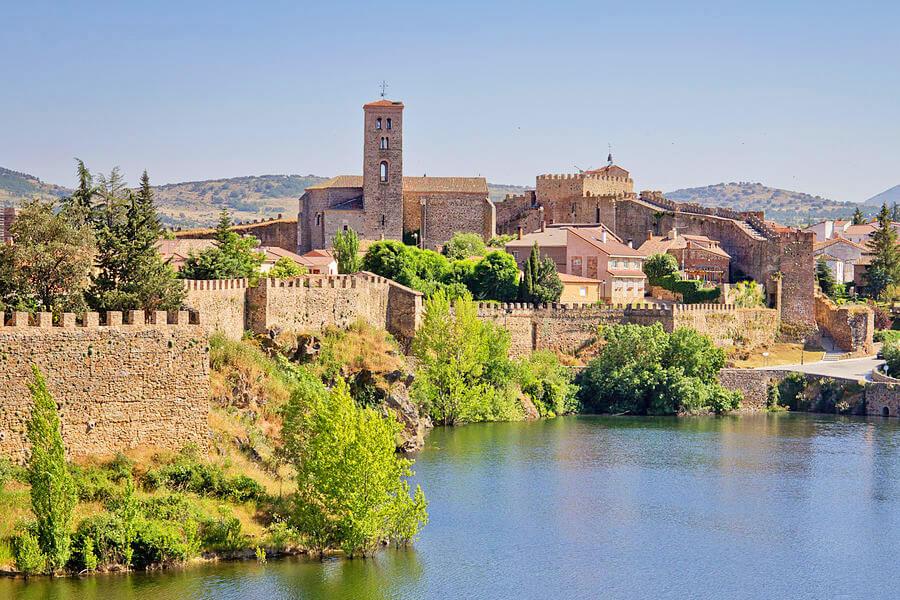 Escapada Romántica a Madrid - Buitrago de Lozoya